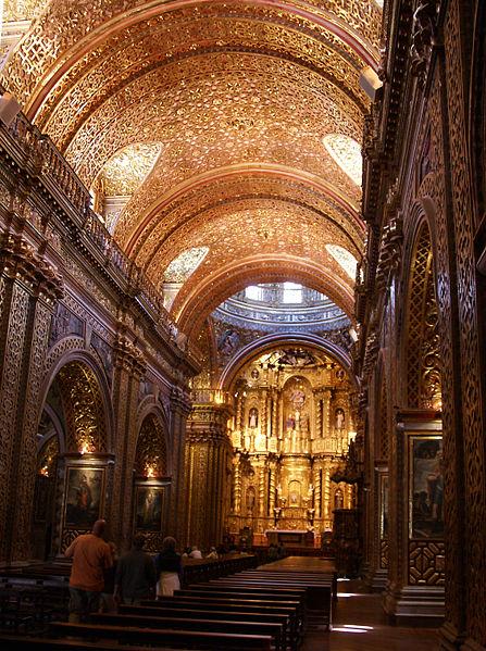 La iglesia de la Compañía de Jesús Quito nave central